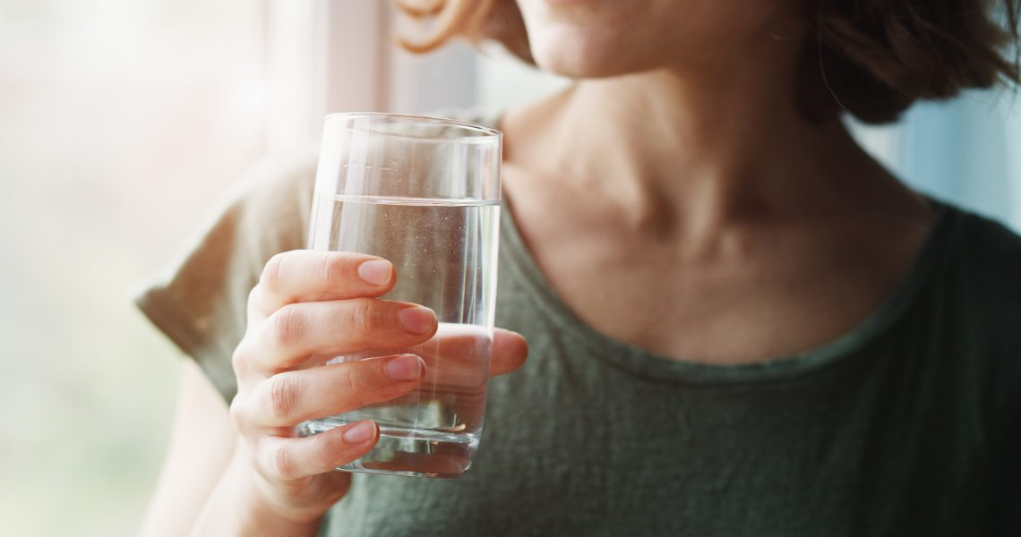 How to Drink More Water in the Winter